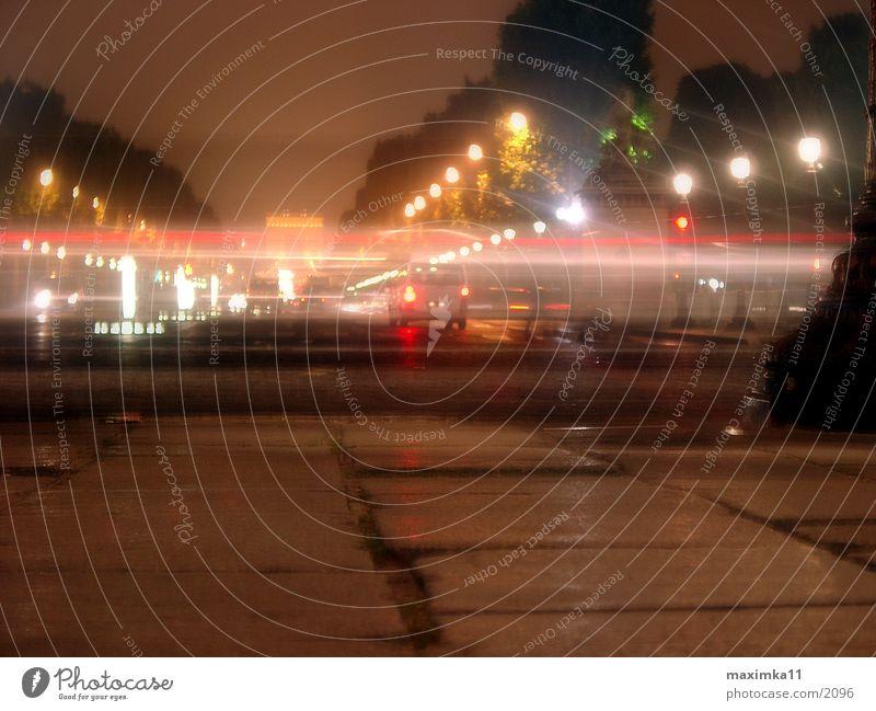 Paris, Avenue des Champs Elysees - Triumphbogen Nacht Arc de Triomphe