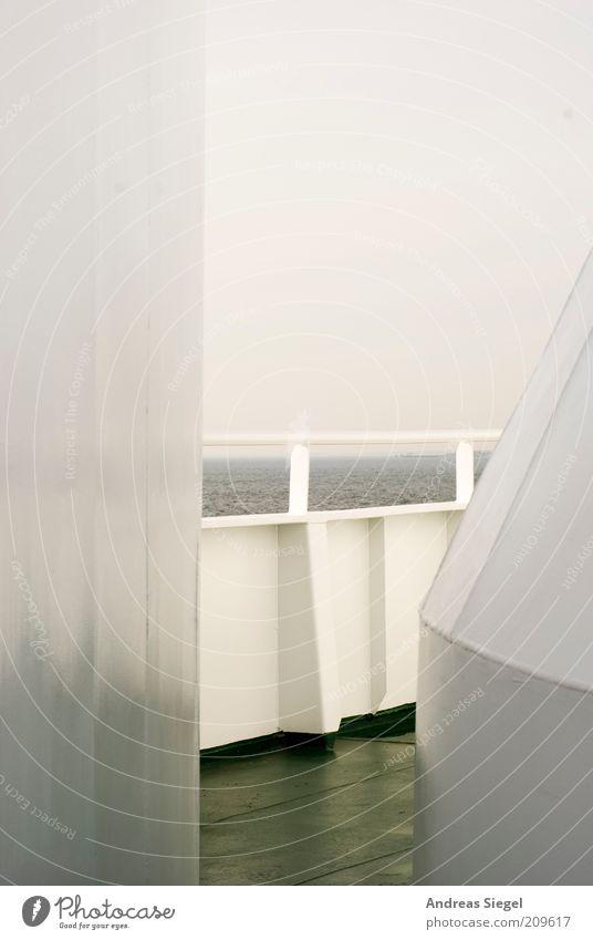 Nordsee Himmel weiß Meer Ferien & Urlaub & Reisen Ferne Erholung grau frei Horizont trist Schifffahrt Fähre schlechtes Wetter bedeckt Reling