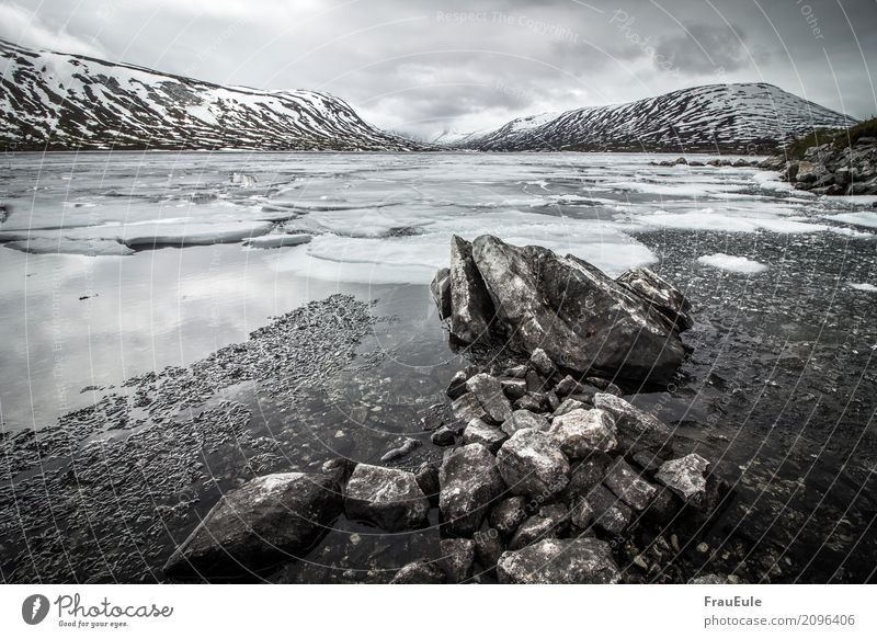 norge V Natur Landschaft Wasser Gewitterwolken Frühling Winter Berge u. Gebirge Gletscher See Norwegen Skandinavien jotunheimen dunkel gigantisch kalt braun
