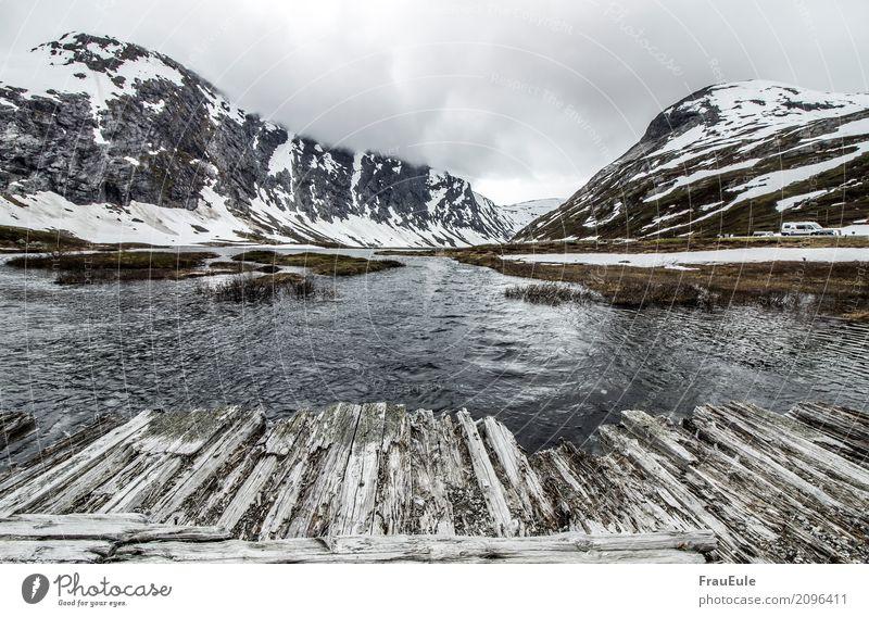 norge III Umwelt Natur Landschaft Wasser Wolken Frühling Hügel Felsen Berge u. Gebirge Fluss Norwegen Skandinavien jotunheimen Brücke alt kaputt Holz Holzbrücke