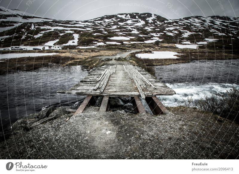 norge Natur Landschaft Wasser Frühling Hügel Berge u. Gebirge Flussufer Brücke alt außergewöhnlich dunkel kalt braun Abenteuer Einsamkeit Verfall Vergangenheit