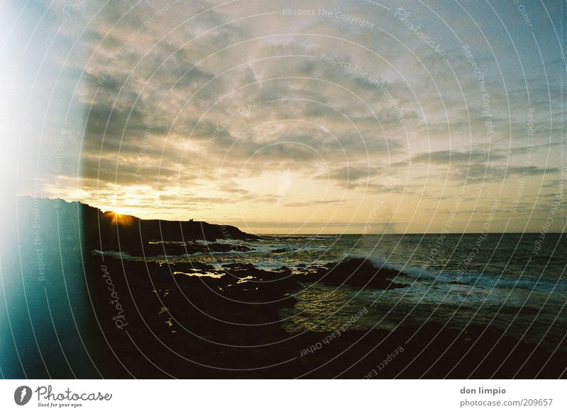 es rauscht Sonne Meer Sommer Ferne Küste Wellen Umwelt Horizont Ausflug Insel Natur Brandung Wasser Atlantik Fuerteventura Überbelichtung