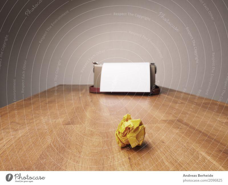 Zerknüllt Business Büro Kraft Erfolg Kreativität Idee Papier Grafik u. Illustration Symbole & Metaphern Falte Inspiration Schreibtisch Zettel innovativ Witz