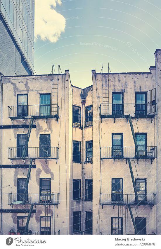 Unbekanntes New York. alt Stadt Haus Architektur Gebäude Fassade Wohnung Treppe retro USA Stadtzentrum Manhattan New York City Großstadt Feuerleiter