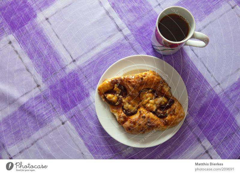 Hefeteilchen schwarz Ernährung ästhetisch Kaffee süß violett Tee Café Kuchen lecker trashig Duft Süßwaren Tasse genießen Teller