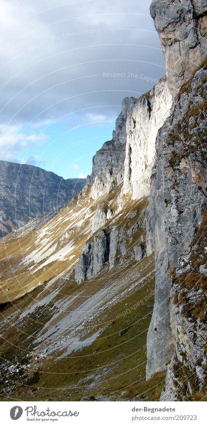 Am Schienflue Himmel Natur grün Wolken ruhig Einsamkeit Herbst Freiheit Berge u. Gebirge Landschaft Umwelt grau Stein Wetter hoch Felsen
