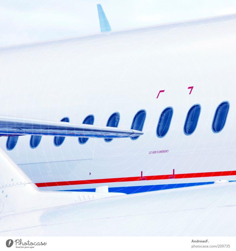 Passagiermaschine weiß blau rot Ferien & Urlaub & Reisen Ferne Fenster Flugzeug fliegen Verkehr Luftverkehr Tourismus Güterverkehr & Logistik Personenverkehr