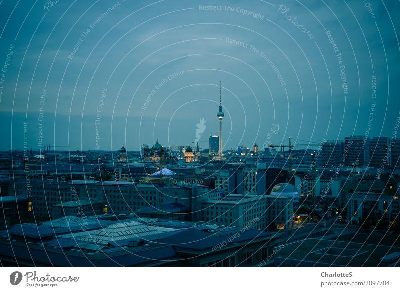 Berlin, landscape Tourismus Sightseeing Städtereise ausgehen clubbing Tanzen Arbeitsplatz Büro Baustelle Wolken Nachthimmel Stadt Hauptstadt Stadtzentrum