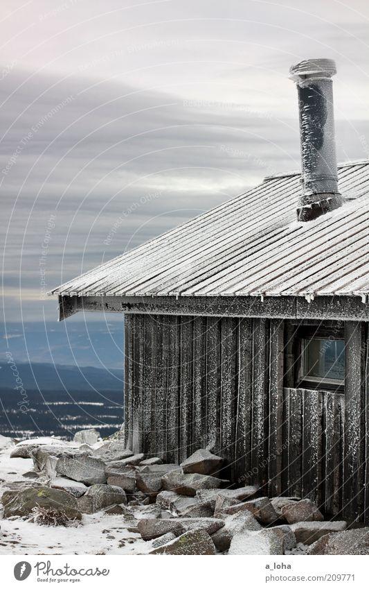 frozen landscape Wolken Winter schlechtes Wetter Eis Frost Schnee Felsen Berge u. Gebirge Menschenleer Hütte Mauer Wand Dach Schornstein Linie Streifen frieren
