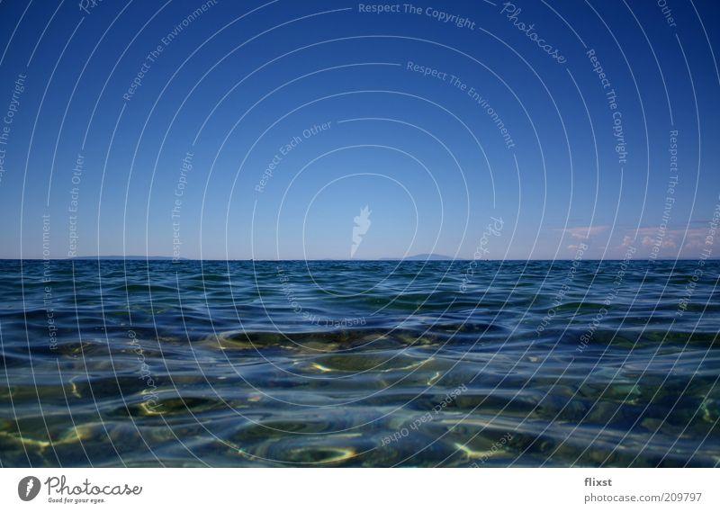 Blau zu Blau Wasser Himmel Horizont Sommer Schönes Wetter Meer blau Hoffnung Kroatien Mittelmeer Farbfoto Außenaufnahme Menschenleer Textfreiraum oben Tag