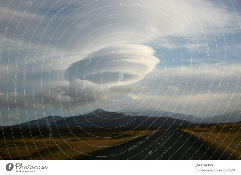 The Cloud Himmel Natur Wolken Straße Berge u. Gebirge Landschaft Umwelt Luft Klima Sturm skurril Island bizarr schlechtes Wetter Klimawandel Verwirbelung