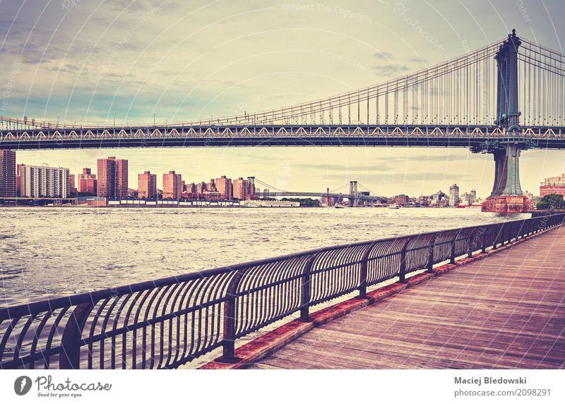 Manhattan Brücke Sommer Architektur Straße USA Bürgersteig Hafen Nostalgie Großstadt East River