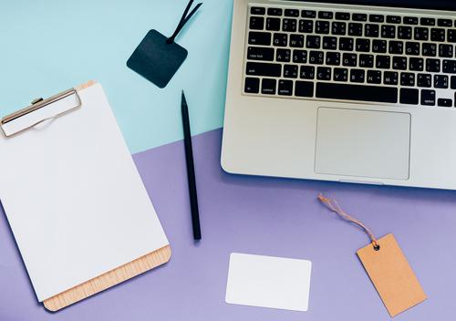 Draufsicht flach legen Stil von Worksapce Schreibtisch weiß schwarz Lifestyle Business Mode Design Arbeit & Erwerbstätigkeit Textfreiraum hell Büro modern retro