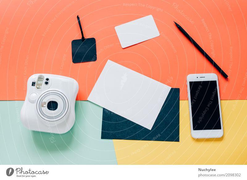 Kreative flache Laienart des Arbeitsplatzschreibtisches weiß schwarz Lifestyle Stil Business Mode Design Arbeit & Erwerbstätigkeit Textfreiraum Freizeit & Hobby