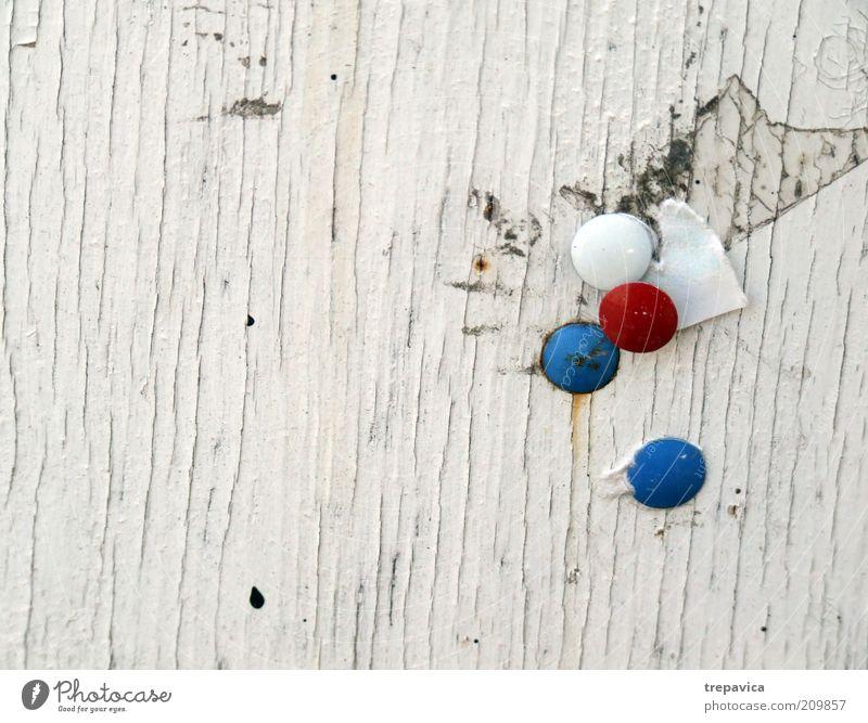 weiss rot blau Subkultur Holz Metall Schriftzeichen hängen schreiben alt Armut dreckig einfach einzigartig trashig grau weiß bescheiden Stress Design Idee