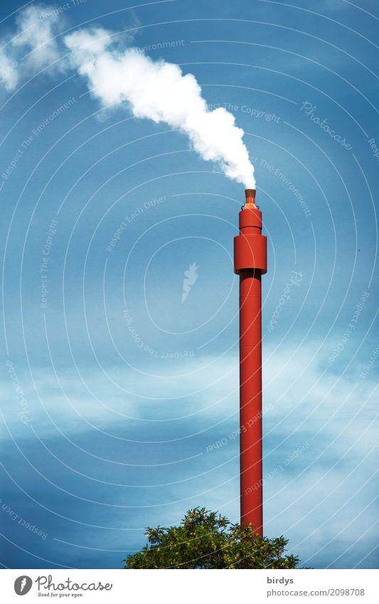 Krematorium ? Energiewirtschaft Himmel Klimawandel Industrieanlage Turm Schornstein Rauch Rauchen ästhetisch hoch dünn blau rot weiß Zukunftsangst bedrohlich