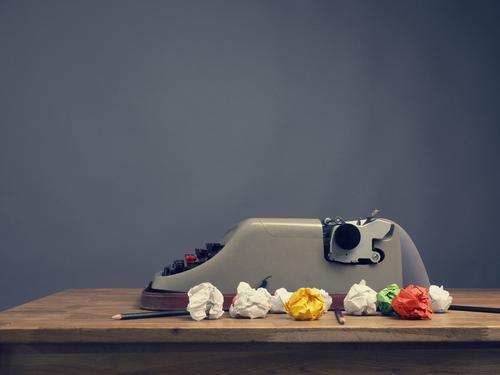 Idee gehabt! Business Freizeit & Hobby Büro Kraft Kreativität Erfolg Symbole & Metaphern Inspiration Werkstatt Arbeitsplatz Zettel innovativ Schreibwaren Witz