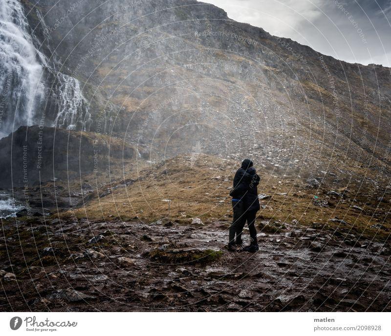 Liebe unterm Wasserfall Mensch maskulin feminin Junge Frau Jugendliche Junger Mann 2 18-30 Jahre Erwachsene Landschaft Wassertropfen Wolken Frühling Wetter Wind