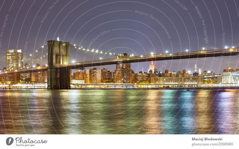 Panoramisches Foto der Brooklyn-Brücke. Stadt Architektur USA Grafik u. Illustration Fluss erleuchten Skyline Stadtzentrum Manhattan Großstadt Brooklyn Bridge