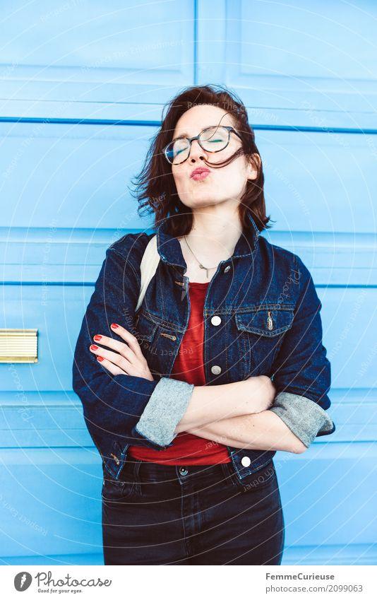 Roadtrip West Coast USA (143) *** 1500 Fotos *** feminin Junge Frau Jugendliche Erwachsene Mensch 18-30 Jahre Freude Kussmund Küssen Jeansjacke lässig attraktiv
