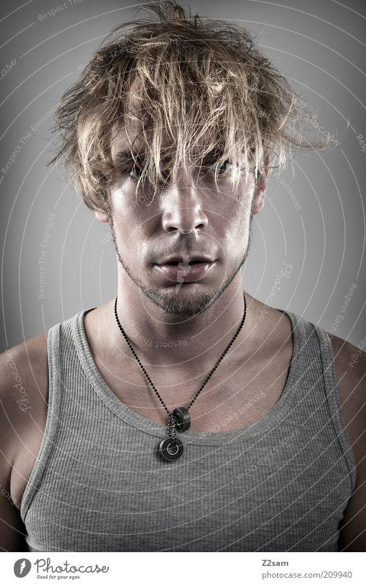 It was a tough day Mensch Mann Jugendliche dunkel grau Haare & Frisuren Kopf blond Erwachsene maskulin Coolness Porträt einzigartig wild Bart