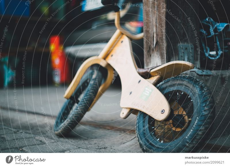 Holz Laufrad Kind Sommer Haus Lifestyle Sport Bewegung Stil Junge Spielen Garten Design Freizeit & Hobby Kindheit laufen Fahrradfahren