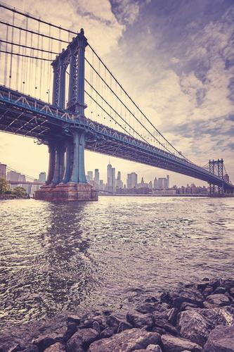 Stilisiertes Bild der Weinlese der Manhattan-Brücke, New York City. Ferien & Urlaub & Reisen Stadt Architektur Tourismus USA violett Skyline Städtereise