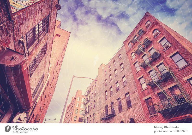 Brooklyn-Dumbo-Nachbarschaft, New York City, USA. Sommer Stadt Sonne Haus Architektur Gebäude Stimmung Fassade Aussicht Sightseeing Großstadt Feuerleiter