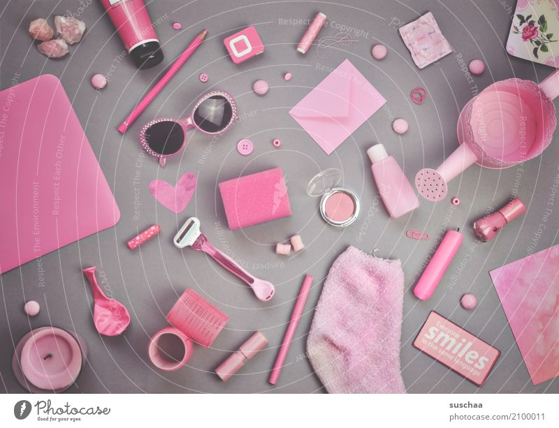 ich seh etwas, was du nicht siehst ... Super Stillleben Krimskrams Dinge Sammlung Anhäufung bunt zusammengewürfelt ansammeln viele Haushalt rosa Inspiration