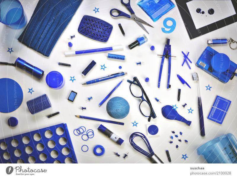 ich seh etwas, was du nicht siehst ... blau Kreativität Dinge Brille Luftballon viele Fotokamera Sammlung Inspiration Anhäufung Nähgarn Haushalt ansammeln