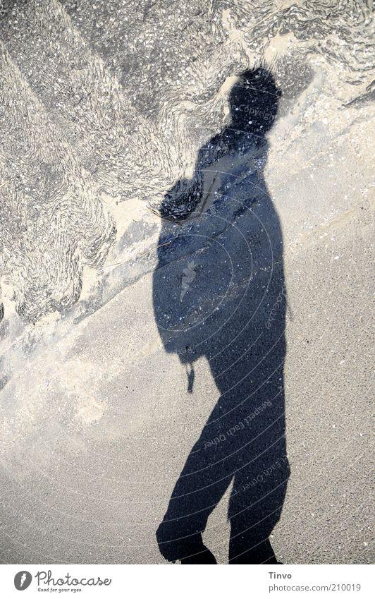 Schatten eines Wanderers Mensch Ferien & Urlaub & Reisen Ferne Freiheit Wege & Pfade Sand Erwachsene wandern gehen Beton Ausflug Abenteuer Tourismus aufwärts