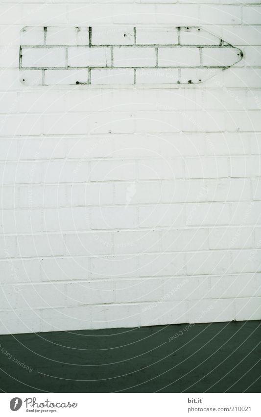 LEERZEICHEN II [LUsertreffen 04|10] schwarz Wand grau Stein Mauer Linie Kunst Beton Schilder & Markierungen Fassade leer trist Ziel Streifen Pfeil Zeichen
