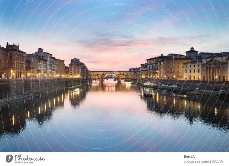 Ponte Vecchio in Florenz bei Sonnenuntergang Ferien & Urlaub & Reisen Stadt Wasser Haus Architektur Gebäude Tourismus Europa Italien Brücke Fluss Bauwerk
