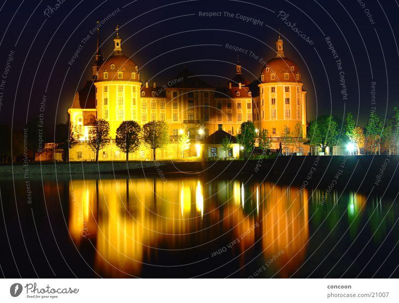 Schloss Moritzburg ruhig See Architektur Europa Dresden Allee Sachsen Barock majestätisch Jagdschloss