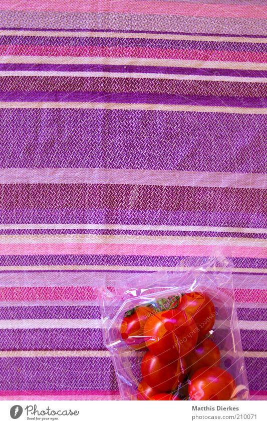 Tomaten Lebensmittel Gemüse Ernährung Picknick Bioprodukte Vegetarische Ernährung ästhetisch frisch gut schön violett rosa rot Farbfoto Muster