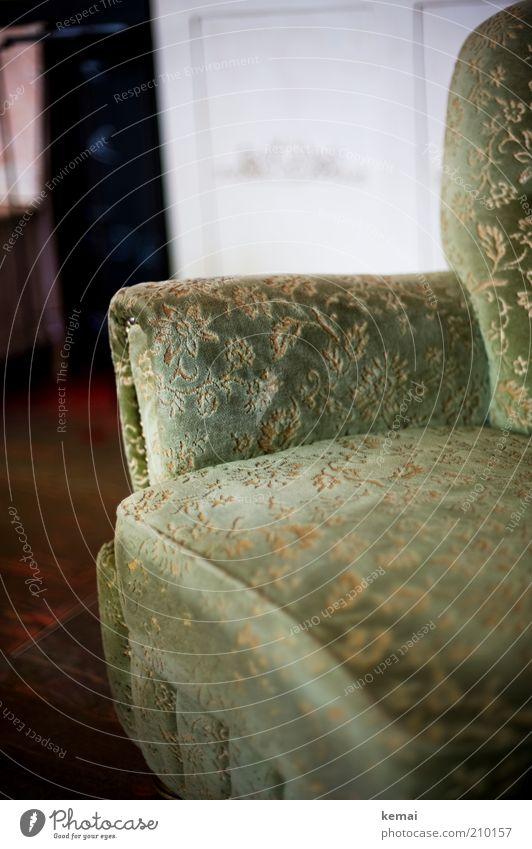 Guter Sessel elegant Stil Innenarchitektur Möbel grün Dekoration & Verzierung Muster Blumenmuster gemütlich bequem antik Polstersessel Farbfoto Gedeckte Farben