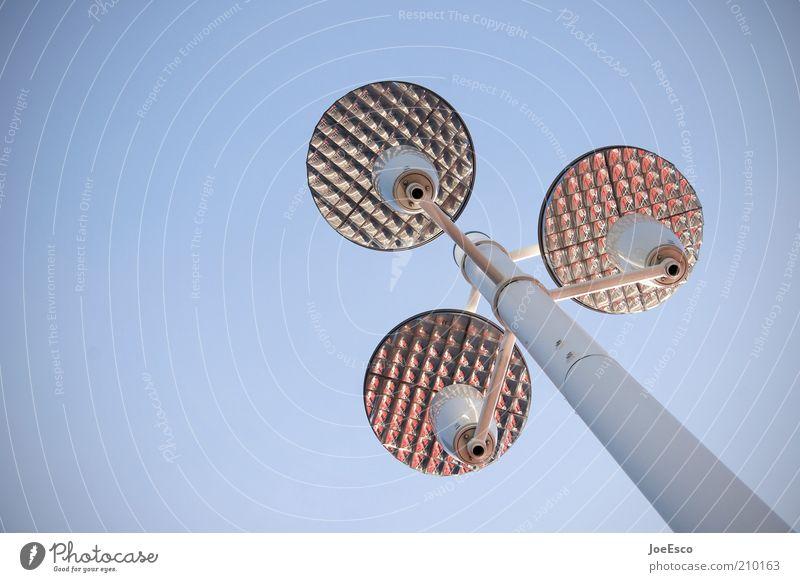 [PC-Usertreffen FFM] #2 Himmel Lampe Beleuchtung Design Zukunft Laterne aufwärts Straßenbeleuchtung Blauer Himmel Textfreiraum links Fortschritt Laternenpfahl