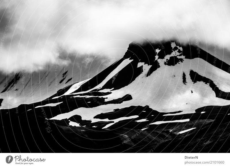 Berg und Tal Umwelt Natur Landschaft Luft Wolken Klima Wetter schlechtes Wetter Felsen Berge u. Gebirge Gipfel Schneebedeckte Gipfel Gletscher grau schwarz weiß