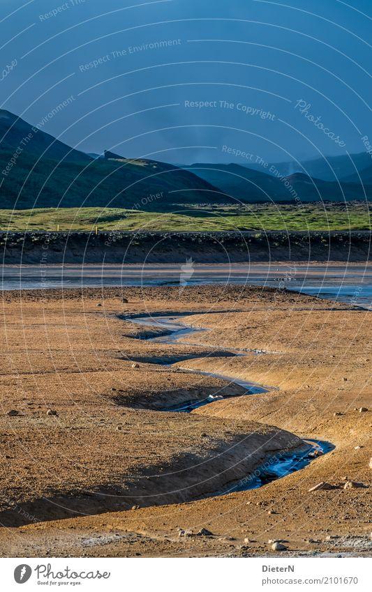 Felder Umwelt Landschaft Urelemente Sand Himmel Wolken Sommer Klima Wetter schlechtes Wetter Berge u. Gebirge Gipfel nass blau grün orange schwarz Island Quelle
