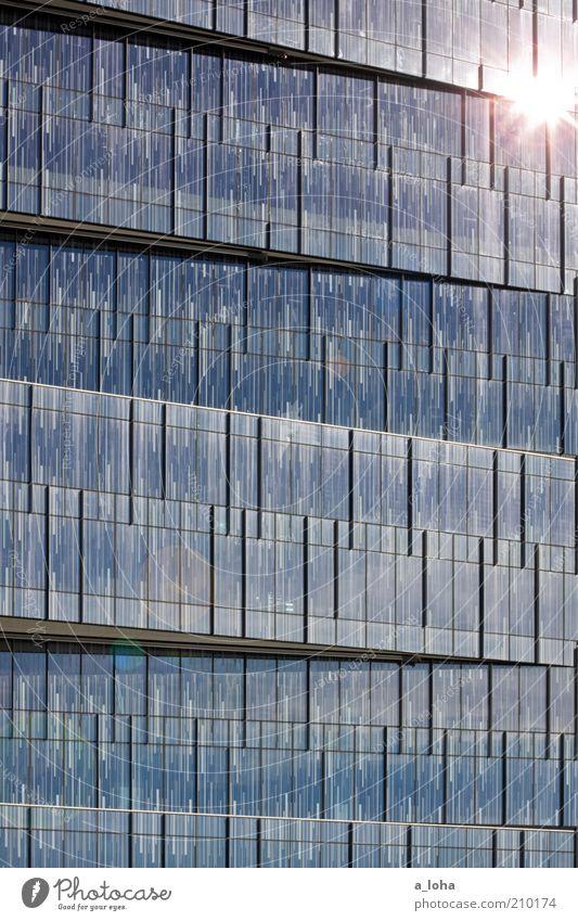 star and stripes Business Sonne Hochhaus Fassade Fenster Linie Streifen glänzend leuchten eckig blau Energie Kunst modern Farbfoto Außenaufnahme abstrakt