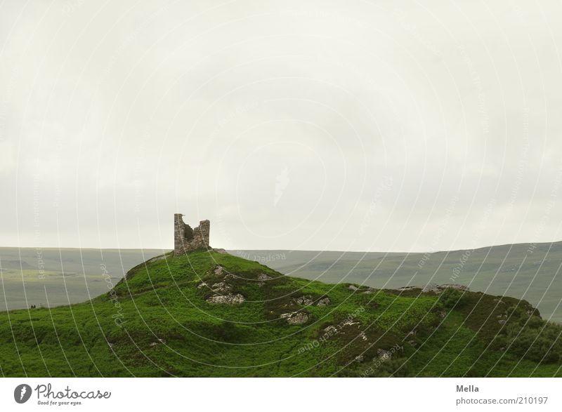 Ausgedient Ferien & Urlaub & Reisen Ausflug Ferne Umwelt Natur Landschaft Hügel Felsen Ruine Turm alt stehen kaputt grau grün Stimmung standhaft Sehnsucht