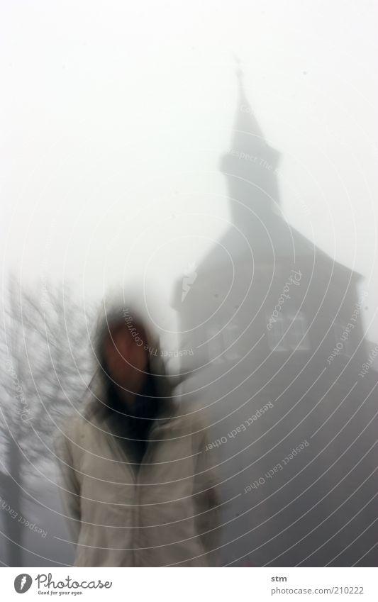 verGEISTlicht Mensch Winter Herbst Gebäude träumen Wetter Wind Klima außergewöhnlich Nebel Kirche stehen Turm Bauwerk Burg oder Schloss gruselig