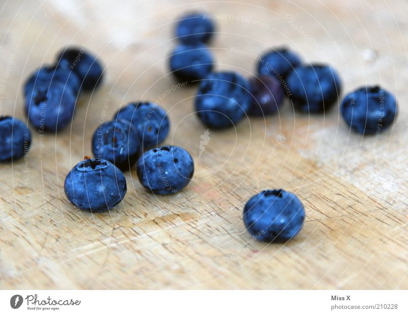 Blaumänner Lebensmittel Frucht Ernährung Bioprodukte Vegetarische Ernährung Diät frisch klein lecker rund saftig süß blau Beeren Blaubeeren Farbfoto mehrfarbig