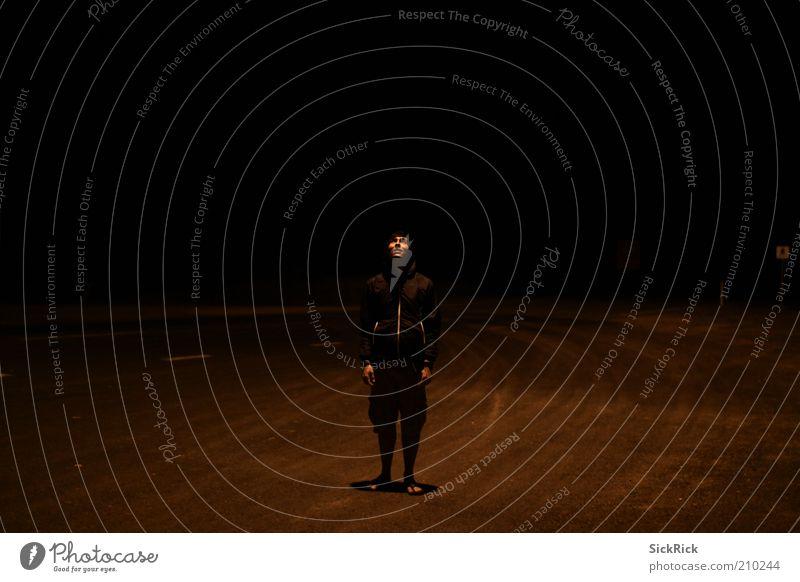 anywhere Mensch Einsamkeit schwarz Straße dunkel maskulin Unendlichkeit Junger Mann Outback Urlaubsfoto