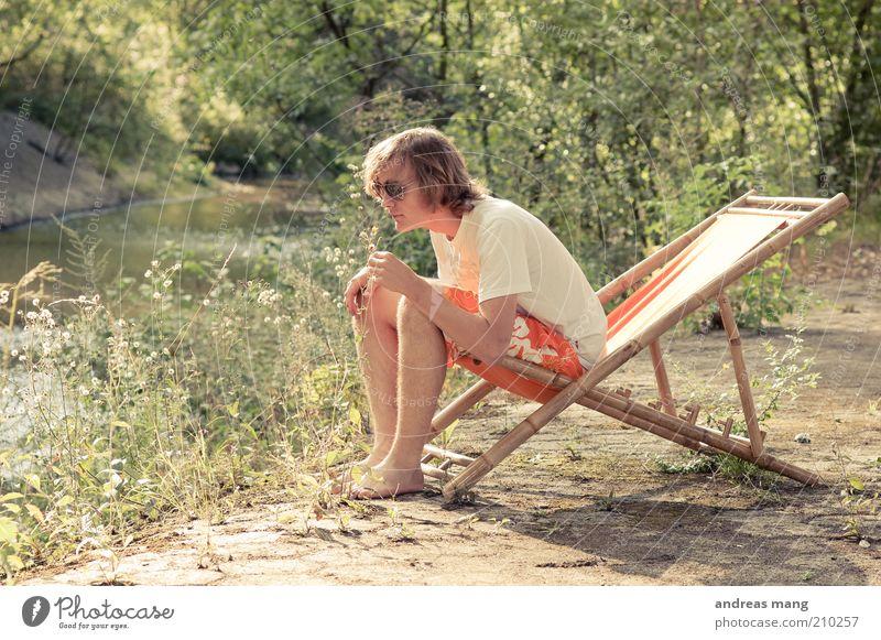 This is where I live | No. 004 Junger Mann Jugendliche Umwelt Sommer Bach Badehose Sonnenbrille Liegestuhl Duft Erholung genießen sitzen träumen authentisch