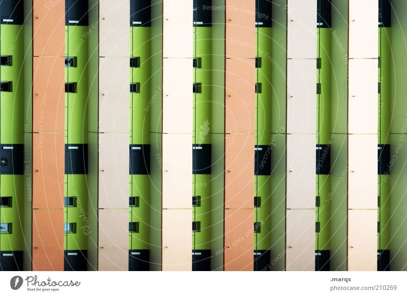 Block grün schwarz Farbe Fenster Gebäude orange Architektur Fassade Lifestyle Häusliches Leben Streifen Balkon Wirtschaft Surrealismus Symmetrie