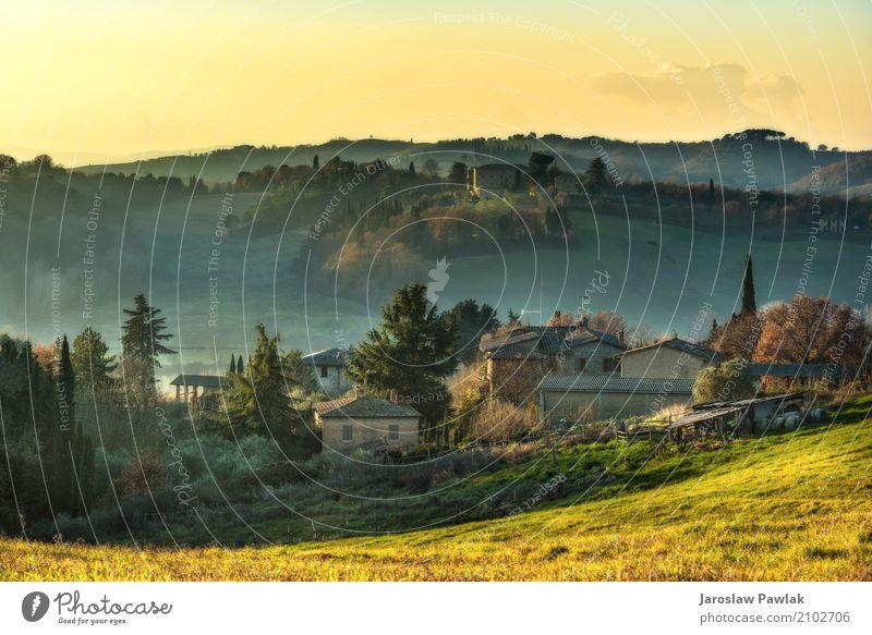 Natur Ferien & Urlaub & Reisen Pflanze Farbe schön grün Baum Landschaft Haus Wolken Wald Berge u. Gebirge Umwelt Herbst Wiese natürlich