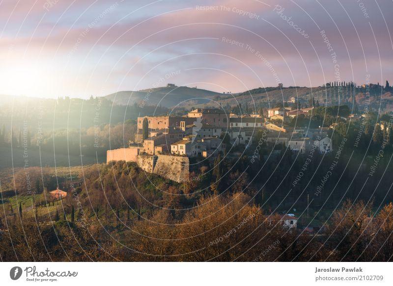 Panoramablick auf die San Giovanni d'Asso in der Toskana schön Ferien & Urlaub & Reisen Tourismus Sommer Haus Kultur Landschaft Himmel Hügel Dorf Stadt Gebäude