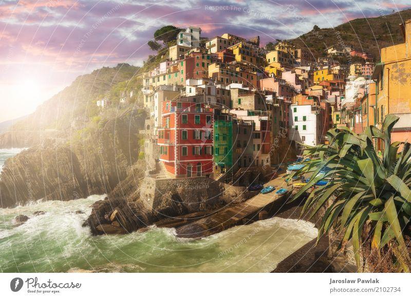 Riomaggiore Cinque Terre, Italien schön Ferien & Urlaub & Reisen Tourismus Sommer Sonne Strand Meer Haus Natur Landschaft Himmel Wolken Park Felsen Küste Dorf