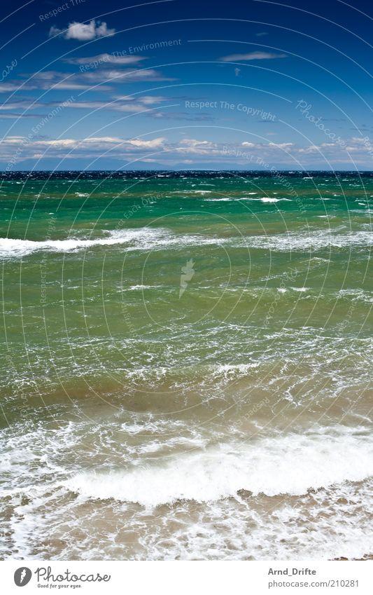 Meer Glück Erholung Ferien & Urlaub & Reisen Sommer Sommerurlaub Strand Wellen Natur Landschaft Wasser Wolken Klima Wetter Schönes Wetter Wind Wärme Küste blau